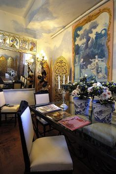 Tania Vartan's Florence apartment! Everything hand painted.