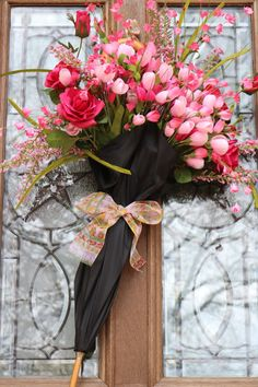 Welcoming-Home.com Umbrella Wreath, Spring decor, Home Decoration, Easter decor, Front door wreath, wreaths, Front door decoration, Farmhouse style, Farm house decor, DIY