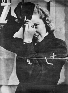 A Luftwaffe Helferin with a medical specialty patch featured in Neue Illustrierte Zeitung