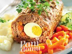 Pieczeń rzymska z jajkiem i marchewką