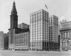 1915. Chicago. Michigan Avenue and Washington Street. Michigan Boulevard Building and Montgomery Ward Building.