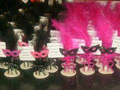 souvenirs de antifaces para 15 años Pink Birthday, 50th Birthday, Sweet 15, Masquerade Party, Party Centerpieces, Deco Table, Art Fair, Quinceanera, Mardi Gras