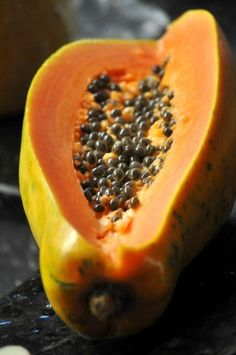 The fruit is sweet, low in calories and high in potassium and vitamin A. Papaya is also used in drinks, jellies, salads, desserts and is also dried and candied. Fruit And Veg, Fruits And Vegetables, Fresh Fruit, Colorful Fruit, Tropical Fruits, Fruit Drinks, Fruit Juice, Juice Diet, Papaya Tree