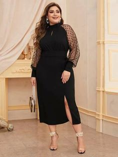 To find out about the Plus Dobby Mesh Sleeve Split Hem Peekaboo Dress at SHEIN, part of our latest Plus Size Dresses ready to shop online today! Plus Size Black Dresses, Plus Size Outfits, Dinner Gowns, Look Plus Size, Short Lace Dress, Plus Size Kleidung, Plus Size Fashion For Women, Raglan, Collar Dress