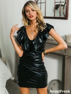 Elegantes Outfit, Leather Dresses, Leather Skirts, Hot Dress, Latest Dress, Lingerie Sleepwear, Spandex Material, V Neck Dress, Leather