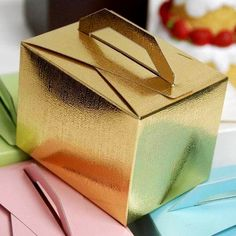 100 PCS Gold Tote Favor Boxes Bridal Shower Party Favor Gift Container  (Sold Out Until 2017-06-15)
