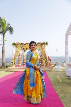 Take inspirations from these top Maharashtrian bridal looks for your marathi wedding. Marathi bride photos and nauvari saree wedding look on ShaadiWish. Marathi Bride, Marathi Wedding, Saree Wedding, Bride Photography, Indian Wedding Photography, Wedding Looks, Bridal Looks, Maharashtrian Saree, Reception Sarees