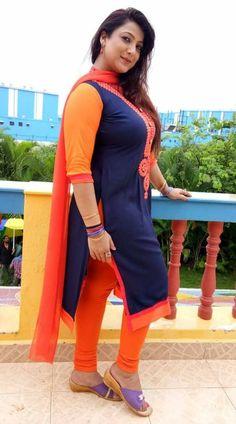 Beautiful Girl In India, Beautiful Women Over 40, Beautiful Girl Body, Beautiful Dresses For Women, Beautiful Bollywood Actress, Most Beautiful Indian Actress, Beauty Full Girl, Beauty Women, Indian Girls Images