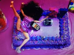 Ratchet Barbie cake....need to make this for one of my friends 21st bday