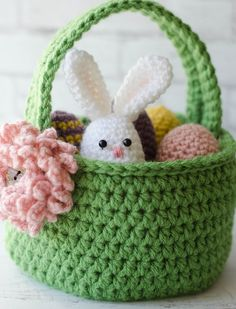 Crochet Easter Basket Pattern - Crochet 365 Knit TooThis Crochet Easter Basket Pattern Crochet Easter Eggs Pattern is just one of the custom, handmade pieces you'll find in our tutorials shops.This Crochet Easter Basket just makes me happy. Crochet Easter, Bunny Crochet, Easter Crochet Patterns, Holiday Crochet, Crochet Crafts, Easy Crochet, Crochet Flowers, Crochet Projects, Free Crochet