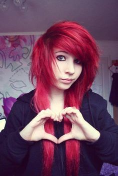 <3 red emo hair.