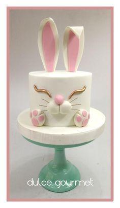 by Silvia Caballero Bunny cake! by Silvia Caballero Bunny cake! by Silvia Caballero Bunny cake! by Silvia Caballero Fondant Cakes, Fondant Figures, Cupcake Cakes, Fondant Bow, 3d Cakes, Fondant Flowers, Easter Cake Fondant, Simple Fondant Cake, Sweets Cake