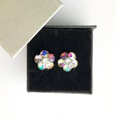 Remarkable flower stud earrings made with Swarovski Crystals cyclamen opal, aurora borealis, vitrail light, luminous green, paradise shine, Earrings Handmade, Swarovski Crystals, Heart Ring, Opal, Flower Stud, Stud Earrings, Lei, Aurora Borealis, Trending Outfits