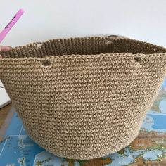 Crochet Handbags, Crochet Purses, Diy Crochet, Crochet Hooks, Crochet Christmas Gifts, Knit Basket, Market Baskets, Yarn Shop, Hobbies And Crafts