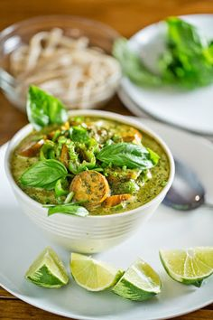 Thai Inspired Green Curry with Eggplant and Peppers - The Chubby Vegetarian post from Wednesday, September Veggie Recipes, Asian Recipes, New Recipes, Vegetarian Recipes, Cooking Recipes, Favorite Recipes, Ethnic Recipes, Ramen Recipes, Green Curry
