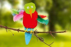 Papagei basteln mit Kleinkindern