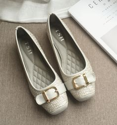 On foot comfort metal belt buckle square head flat doug shoes with Peas loafers shoes driving shoes