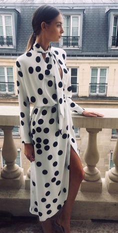 150 elegant classy perfection ideas – page 1 Dots Fashion, Fashion Mode, Fashion Images, Minimal Fashion, Womens Fashion, Dot Dress, Dress Skirt, Dress Up, Monique Lhuillier