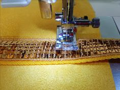 Laisse Luciefer - Les Petits Secrets Couture: Le SCINTILLANT - Tuto Cabas Paillettes Coin Couture, Blog Couture, Sewing Projects For Beginners, Patches, Dimensions, Photos, Apron Sewing Patterns, Aprons, Manualidades