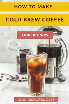 Do you really enjoy the taste of good coffee, the energy kick from caffeine and its energizing effect, but you don't like a hot drink? A cold is just right for your. Find out here how to make cold brew coffee. Cold Brew Coffee Recipe, Making Cold Brew Coffee, How To Make Coffee, Espresso Drinks, Coffee Drinks, Coffee Mugs, Cold Brew At Home, Iced Coffee At Home, Coffee Facts