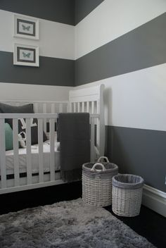 SOOOO wanna do this in our little sweet pea's room!