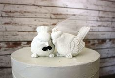 White wedding birds-kissing wedding doves-wedding doves-wedding love birds-love birds-wedding cake topper