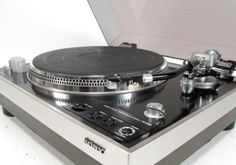 Sony PS-8750 Stereo Turntable One of Sony's best ever and considered among the elite vintage turntables. Heavy composite base, touch contr...