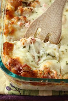 A creamy shrimp scampi lasagna featuring shrimp, veggies, and plenty of melted cheese. An easy Seapak Shrimp Scampi recipe that you can make ahead of time! Fish Recipes, Seafood Recipes, Dinner Recipes, Cooking Recipes, Seafood Lasagna Recipe Easy, Dinner Ideas, Prawn Recipes, Supper Ideas, Noodle Recipes