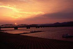 和歌山市、紀の川の夕暮れ http://blogs.yahoo.co.jp/blackcat_kat_2014/12539745.html Yahoo blog