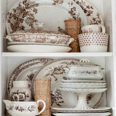 Love, love love these brown dishes!