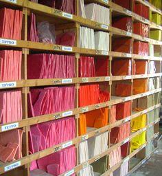 https://flic.kr/p/qfEv4 | Biblioteca del colore | Un dettaglio della sconfinata biblioteca di tipi diversi di colori di lastre di vetro smaltato per produrre tessere per il mosaico
