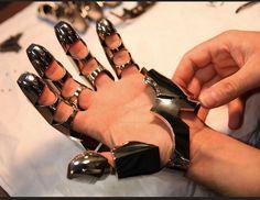 articulated glove