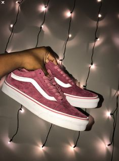 28 Vans Shoes That Look Awesome # Vans Vans-Schuhe, die fantastisch aus. - 28 Vans Shoes That Look Awesome # Vans Vans-Schuhe, die fantastisch aussehen - Vans Sneakers, Sneakers Fashion, Fashion Shoes, Converse, Cute Vans, Cute Shoes, Me Too Shoes, Awesome Shoes, Mode Adidas