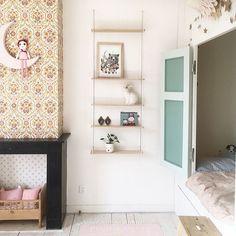 kids room   little girl bedroom   sleeping nook   neutral color palette   interior design   design for children   chambre fille via Kinderkamerstylist