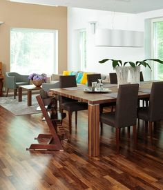 Modern plastered house, interior design, dining room. Kivitalo, sisustussuunnittelu, ruokailuhuone. Stenhus, inredningsdesign, matplats.