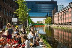 PPLE College is located at the Roeterseiland Campus of the University of Amsterdam. The campus is situated in a cultural hotspot, surrounded by museums in a lively neighbourhood with an international flavour. Amsterdam, The Neighbourhood, University, The Neighborhood, Community College, Colleges