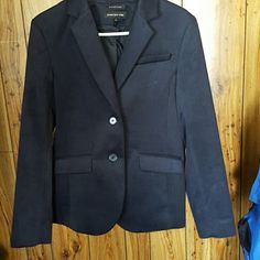 Blazer Navy blue heavy blazer, cute with jeans in the fall! Removed tags to wear, then didn't end up liking the fit on me, but never worn out of the house Jones New York Jackets & Coats Blazers
