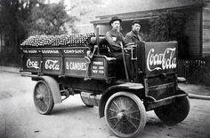 Primeros camiones repartidores de Coca Cola - #FotoHistoria ~ Entérate Cali