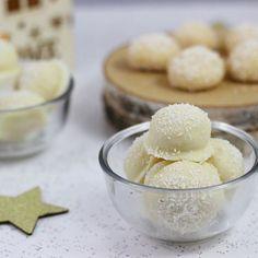 Heute habe ich für dich ein Rezept für leckere Weihnachtspralinen. Du benötigst nur 4-5 Zutaten und die Pralinen sind total fix gemacht. Der Beitrag ist im Rahmen der #weihnachtsschmiede entstanden. Schaut auch bei den anderen vorbei, die bisherigen Beiträge sind toll. Meinen Link findet ihr in der Bio. #pralines #pralinen #schneeball #weihnachtszeit #Adventszeit #kokos #kokospralinen #milchmädchen #weihnachtsgebäck #weihnachten #xmas #christmas #christmasbakery #food #foodie #fotd #foodporn…