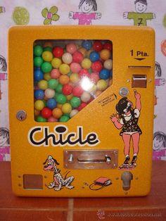 Somos Ochenteros: Tecnología: Expendedoras de bolas de chicle Vintage Bottles, Vintage Ads, Childhood Toys, Childhood Memories, Penny Candy, Kool Kids, Gumball Machine, Infancy, Ol Days