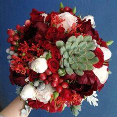 www.lacybird.ru/ #bridalbouquet #wedding #flowers Christmas Wreaths, Wedding Flowers, Floral Wreath, Holiday Decor, Home Decor, Homemade Home Decor, Flower Crowns, Decoration Home, Room Decor