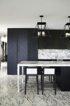 Elegant-Contemporary-Home-Design-Ideas-by-Greg-Natale-Black-details-in-this-kitchen Elegant-Contemporary-Home-Design-Ideas-by-Greg-Natale-Black-details-in-this-kitchen