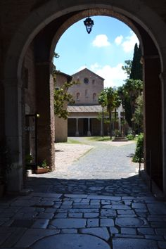 Abazia delle Tre Fontane - Roma Vista dall'Arco di Carlo Magno