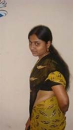 Whatsapp Mobile Number, Girl Number For Friendship, Girls Phone Numbers, Tamil Girls, Beautiful Girl Indian, Aunt, Sarees, Places To Visit, Cook
