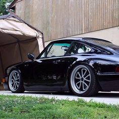 The Porsche 911 is a truly a race car you can drive on the street. It's distinctive Porsche styling is backed up by incredible race car performance. Porsche 911, Carros Porsche, Porsche Sports Car, Porsche Models, Singer Porsche, Ferrari, Maserati, Bugatti, Lamborghini