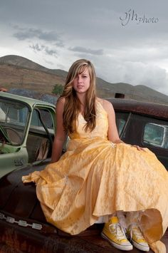 Senior Pictures - Girl - Yellow Prom Dress - Junkyard