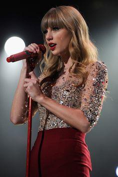 Taylor Swift 壁紙, Estilo Taylor Swift, Long Live Taylor Swift, Taylor Swift Pictures, Taylor Swift Bangs, Taylor Swift Fearless, Taylor Swift Outfits, Taylor Swift Concert, Selena Gomez