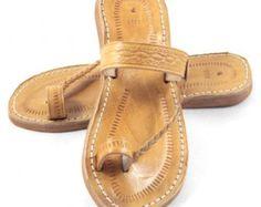 Cuero sandalias marrones de hombre marroquí por BaboucheCuir