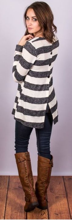 Stitch fix stylist: Button Back Striped Tops are really cool! I like this outfit with the skinny jeans! Stitch Fix Fall, Stitch Fit, Stitch Fix Outfits, Mode Outfits, Casual Outfits, Fashion Outfits, Fashion Ideas, Casual Skirts, Casual Tops