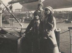 Tatiana in back- Anastasia and Maria